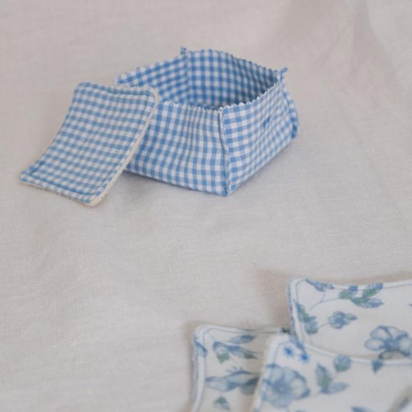 Lingette lavable et paniere motif vichy et bleu à fleurs