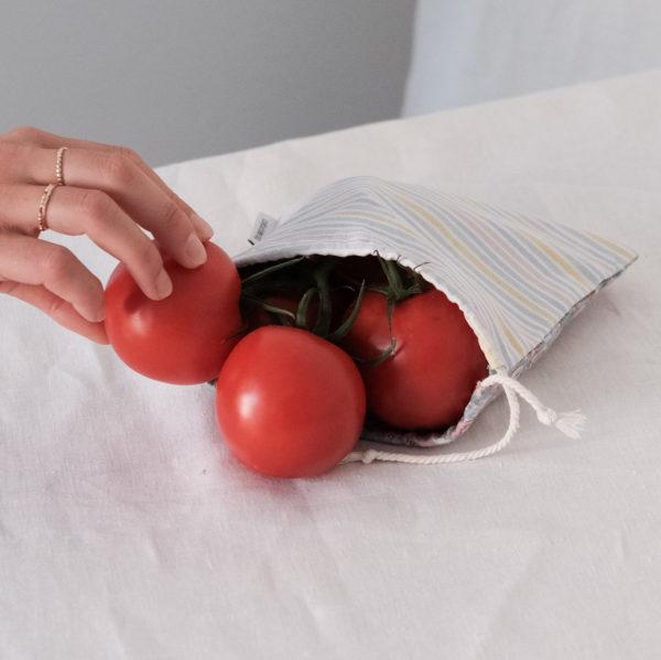 Pochon vrac upcyclé pour emballer des légumes zéro déchet